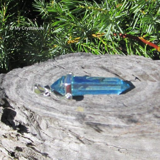 Aqua Aura Pendant